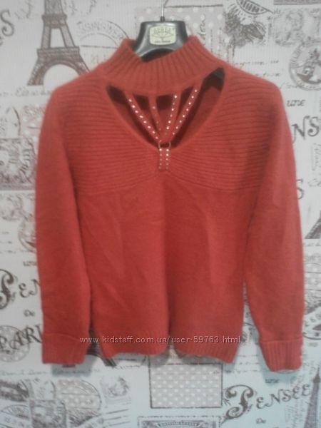 Ангоровый свитер. теплый. тонкий. красивый