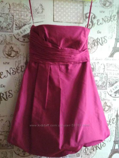 Фирменное, нарядное платье