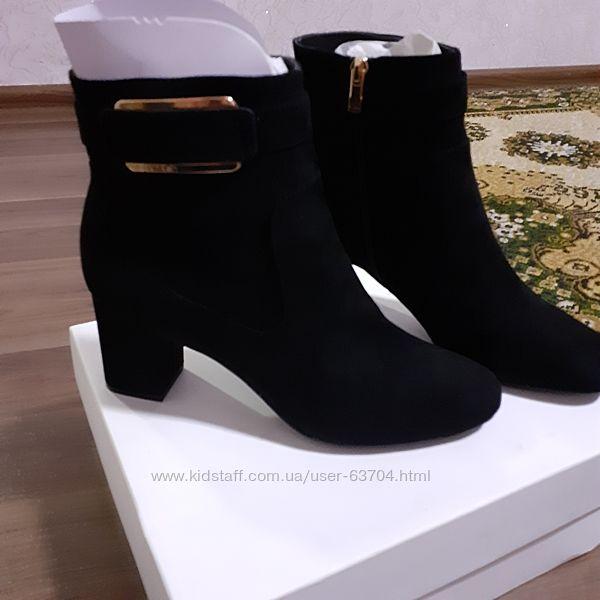 Ботинки Calvin Klein 40 р черные