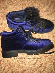 Бархатные стильные ботинки 38 разм