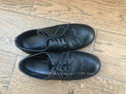 Классические кожаные туфли-оксфорды Zara, р. 35