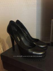 Продам черные кожаные туфли Left and Right, Италия в хорошем состоянии