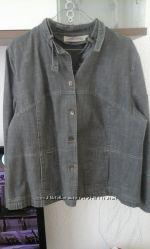 Джинсовый пиджачек жакет большого размера. Состояние хорошее. Суперцена.