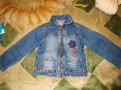 Джинсовая курточка на девочку 98р