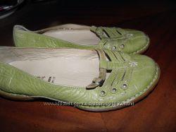 кожаные  балетки  ф.  BATA  размер  37  -  24  см