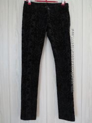 Черные узкие брюки Terranova с набивным рисунком