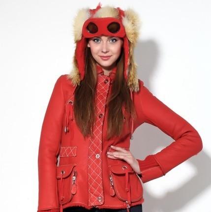 Натуральная дубленка Cordero красная с капюшоном