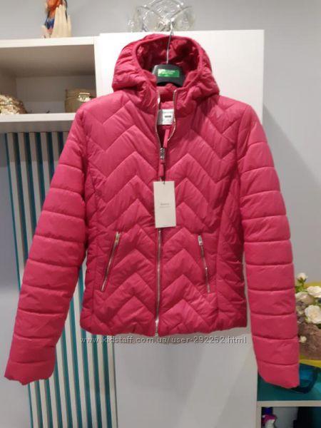 Красивая и качественная курточка Bershka