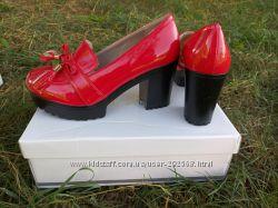 Модные лаковые туфли