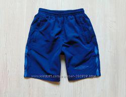 Стильнейшие шорты для парня. Внутри сетка. Umbro. Размер 9 лет