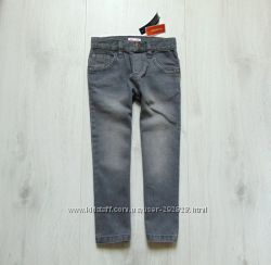 Новые стильные зауженные джинсы для мальчика. Debenhams. Размер 4-5 лет