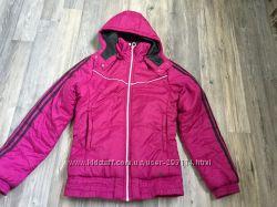 Куртка Адидас очень нежный цвет, состояние новой вещи