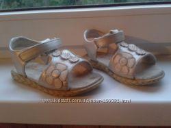 Босоножки Petits petons, размер 25