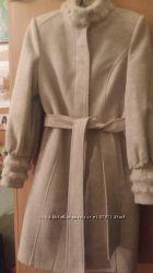 Пальто женское светлое марка Millennium