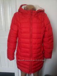 Теплая красная куртка фірми house