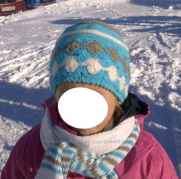 Вязаные зимние демисезонные шапки и комплекты на девочку 7-9 лет