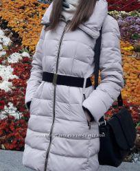Классное зимнее теплое пальто пуховик бежевого цвета Colins