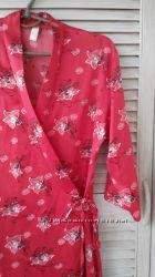 Атласный красный халат в отличном состоянии