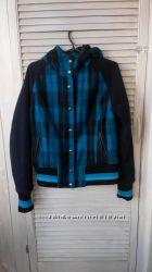 Брендовая куртка-бомбер