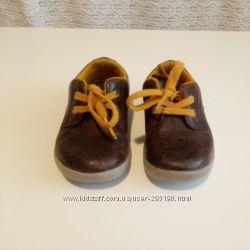 Стильные туфли clarks