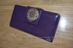 Продам кошелек женский  AVON Зодиак