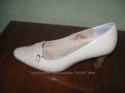 Много женских туфель, р. 39-42