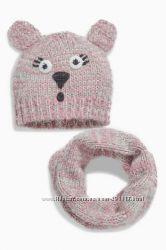 Розовая шапка и шарф-хомут с мультяшным героем весна-осень