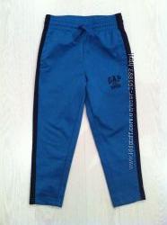 Спортивные брюки GAP  4 -5 лет