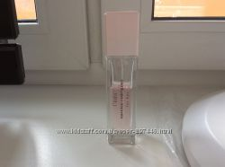 Narciso Rodriguez l&acuteeau for her
