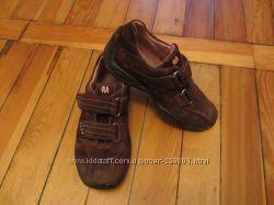 Немецкие кроссовочки на девочку. Стелька 18, 7 см. В наличии.