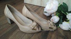 Элегантные кожаные туфли 40р
