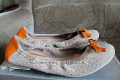 Bugatti  Pons Guintana  Tommy Hilfiger Adidas