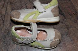 Кожаные туфельки, кроссовочки для девочек-19-20размер