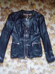 Куртка из кожзама хорошего качества турецкого производства, клатч в подарок