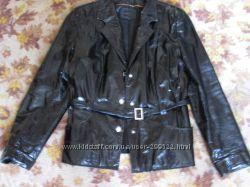 Лаковая кожаная куртка