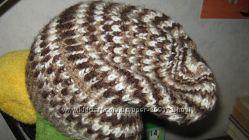 Шапочки женские ручного вязания