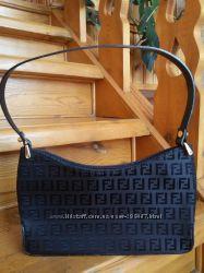 Элегантная сумочка Fendi