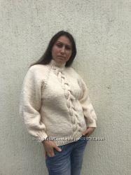 Пуловер с косой из толстой шерстяной пряжи ручной работы
