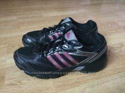 Кроссовки Adidas оригинал в отличном состоянии