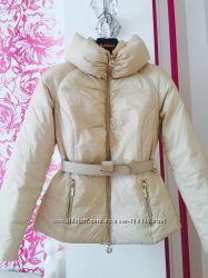 Срочно Продам куртку Elisabetta Franchi 100 оригинал Италия