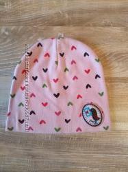 Трикотажная универсальная шапочка для девочки
