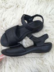 Босоножки сандалии Clarks натуральная кожа