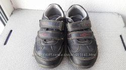 Туфли Clarks с огоньками размер 7 по стельке 15, 5 см