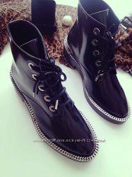 Valentino ботинки из глянцевой кожи и замша. Зима и осень. Реальные фото