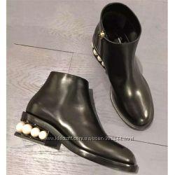 Ботинки Zara -каблук с жемчужинами. Новая коллекция. Реал. фото