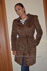 Эксклюзивное пальто из каракуля
