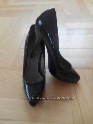 Класичні лакові туфлі 24, 5см