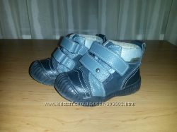 Кожаные ботиночки на мальчика  демисезон размер 22