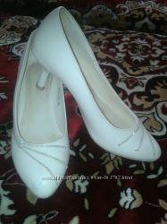 свадебные кожанные туфельки