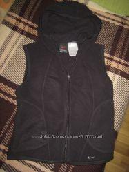 Спортивная флисовая жилетка Nike, размер S 4-6